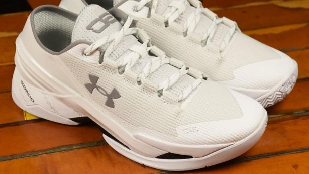 6f90cfe7ae8a Sport  Stephen Curry s new Under Armour sneakers roasted for  dad ...