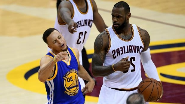 97b4e0d07105 Sport  LeBron James laughs as Stephen Curry flails and NBA Finals go ...