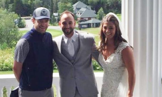 Justin Timberlake Wedding.Wedding Justin Timberlake Crashes Wedding To Take Photo With Bride