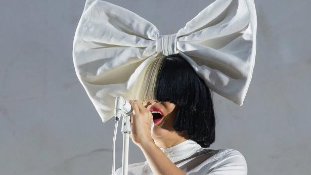 Entertainment: Sia: 'I always sing my heart out live