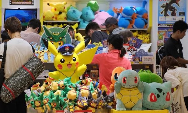 8e848180 Beyond products, companies see huge potential in the Pokemon Go app's  ability to attract crowds