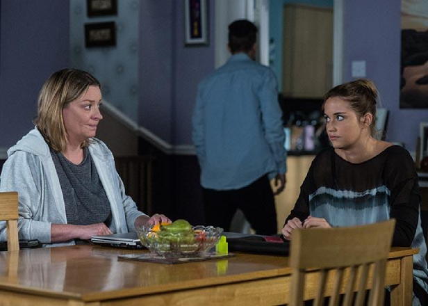 Entertainment: Eastenders SPOILERS: Jane makes a discovery