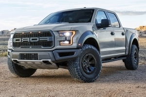 reviews 2017 ford f 150 raptor supercrew pressfrom us. Black Bedroom Furniture Sets. Home Design Ideas