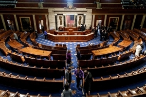 House reauthorizes Iran sanctions bill, sets Syria sanctions