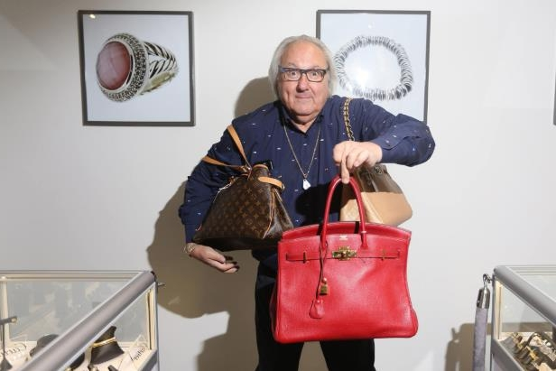 Money: 'Cashman' Russell Oliver returns to retail roots with