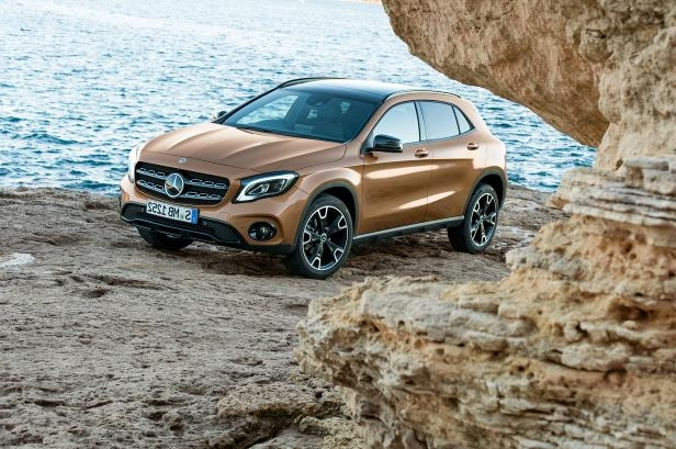 2018 Mercedes-Benz GLA: Refreshed, Changes, Price >> Auto Shows 2018 Mercedes Benz Gla First Look Refresh Time