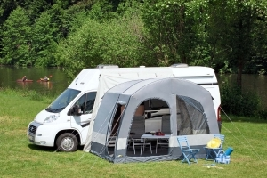 auto neues camping zubeh r f r wohnmobile fr hjahrs. Black Bedroom Furniture Sets. Home Design Ideas