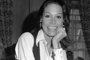 TV star Mary Tyler Moore dead at 80