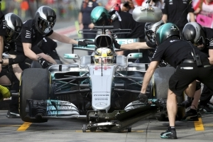 Hamilton fastest in 1st practice sessions for Australian GP