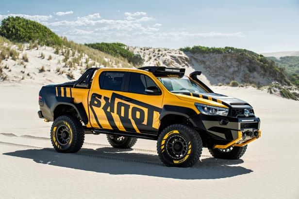 Enthusiasts: Toyota Builds Real-Life Hilux Tonka Toy - PressFrom