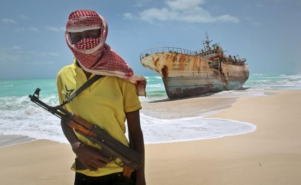 World: Somali pirates suspected of hijacking bulk carrier