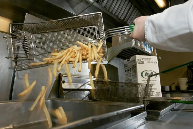 Image: French fries made in trans fat free cooking oil