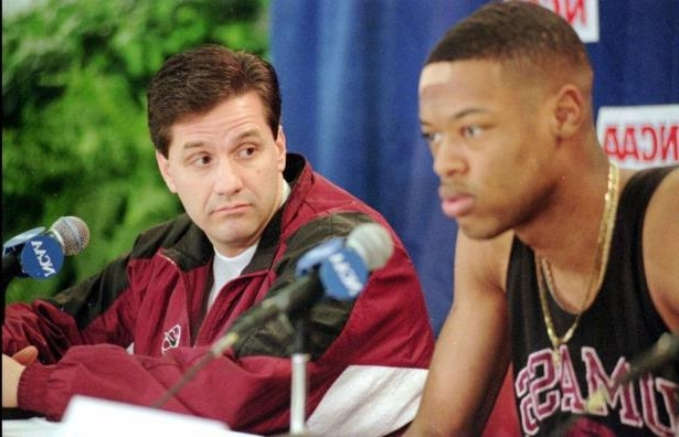Sport  John Calipari watched Marcus Camby graduate from UMass ... 649ee5cdb
