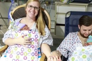 High-five! First-time parents welcome quintuplets in Kentucky