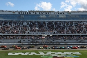 Police investigating bomb call threat at Daytona International Speedway