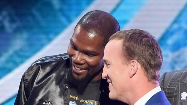 496ef0504c6e Sport  ESPY Awards 2017  Kevin Durant was in on Peyton Manning roast ...