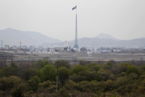 South Korea proposes military, family reunion talks with North Korea