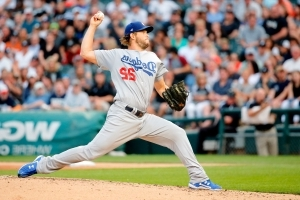 Kershaw wins 15th, Dodgers top Chisox 1-0 for 10th W in row