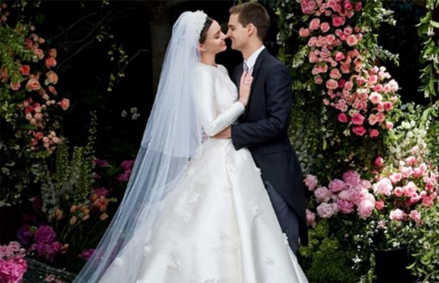 Miranda Kerr Wedding Dress.Style Miranda Kerr S Wedding Hair Took Just 15 Minutes Which Means
