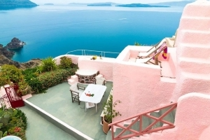 5 Travel Destinations for Pastel Lovers