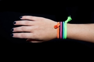 The Serious Reason You Need to Stop Keeping Hair Ties Around Your Wrist