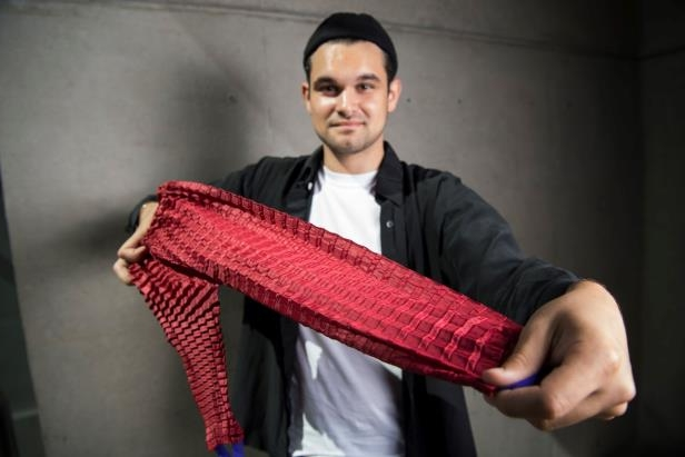 UK James Dyson Award Winner Announced: Clothing That Grows Along With Your Children