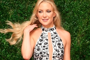 Kate Hudson criticised after calling women who have caesareans
