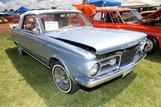 045-1965-plymouth-valiant-signet-convertible.jpg