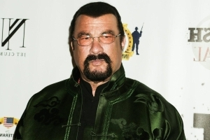 Steven Seagal slams NFL players who kneel during national anthem