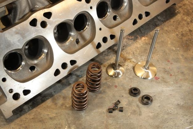 Enthusiasts: Build Your Own 455HP Pump-Gas Magnum V8 For