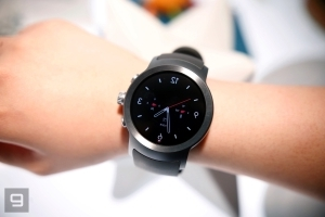 Google removes Android Wear section from its online store