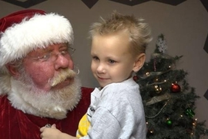 Kansas boy whose town gave him a special Christmas dies