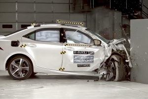 Lexus IS achieves IIHS Top Safety Pick+ after revisions