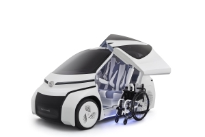 Toyota Concept-i Ride makes mobility easier for the handicapped