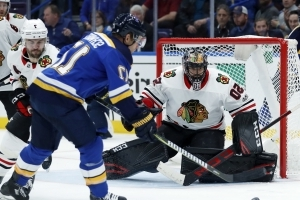 Jaden Schwartz has hat trick, Blues beat Blackhawks 5-2
