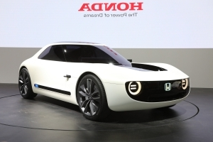 Honda Shows Electric Sports Car, Automated Commuter Pod in Tokyo