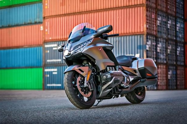 2018 Honda Gold Wing: Riding the new techiest bike on the planet