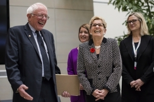 Bernie Sanders awed by Canadian health care
