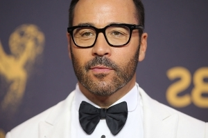 Jeremy Piven accused of sexual assault by reality star Ariane Bellamar