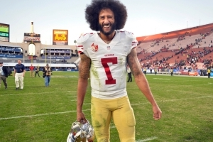 Police chief apologizes after officer mocks Colin Kaepernick on Halloween