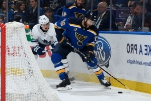 Pietrangelo scores twice as Blues beat Maple Leafs 6-4