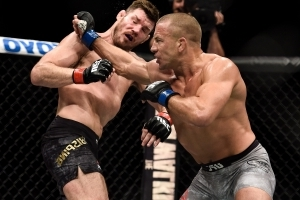 St-Pierre returns to capture UFC middleweight title