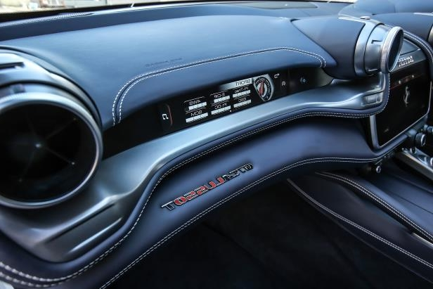 Slide 14 of 33: 2018-Ferrari-GTC4Lusso-T-dashboard.jpg