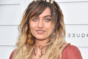 Paris Jackson's unshaven legs are blowing minds. For some reason.
