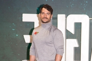 Henry Cavill says superheros are 'different factions of the human psyche'