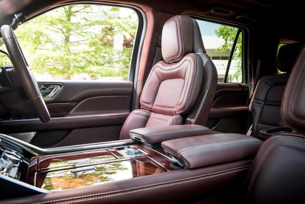 Slide 10 of 84: 2018-Lincoln-Navigator-Extended-Length-seats.jpg