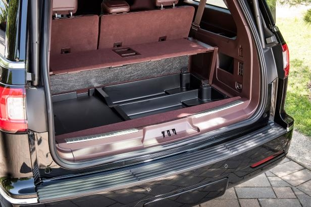 Slide 27 of 84: 2018-Lincoln-Navigator-Extended-Length-cargo-space-03.jpg