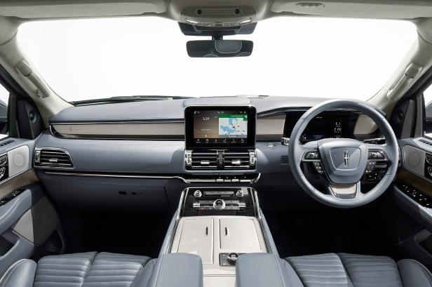 Slide 29 of 84: 2018-Lincoln-Navigator-interior-view.jpg
