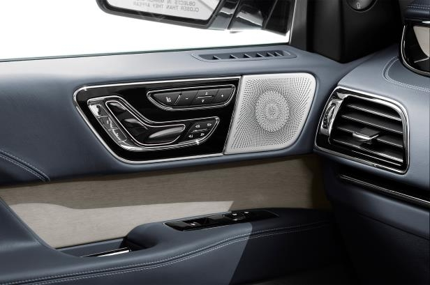 Slide 30 of 84: 2018-Lincoln-Navigator-interior-door-panel.jpg