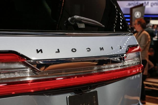 Slide 68 of 84: 2018-Lincoln-Navigator-rear-badge-1.jpg